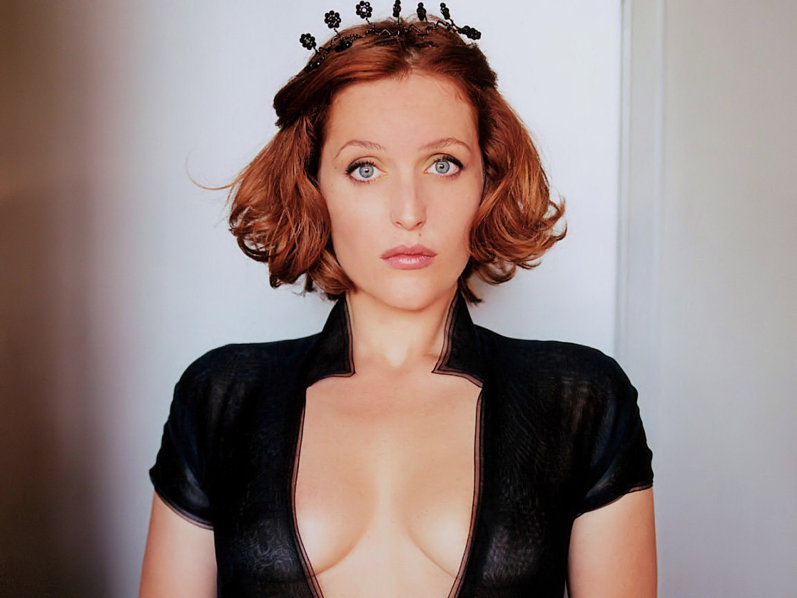 Gillian Anderson Images, Videos and Sexy Pics Hottie