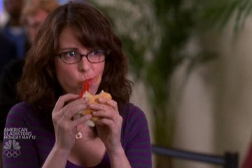 Liz Lemon Chows Down