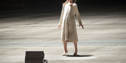 Natasha-Calis-in-The-Possession-2012-Movie-Image1